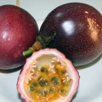 Passion_fruit_red