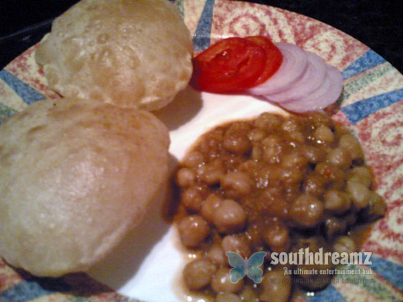 chole Chole Masala With Puri    White Chick Peas Masala Curry with Fried Indian Bread