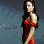 Angelina-Jolie-Red-Wallpaper