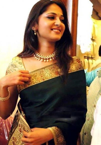 Anushka Green Designer Saree Indian celebrities in saree photo gallery
