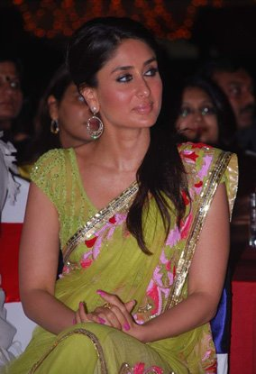 Kareena Kapoor Green Designer Saree IIFAAwards Indian celebrities in saree photo gallery