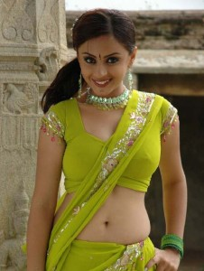 Telugu actress Suhani navel show