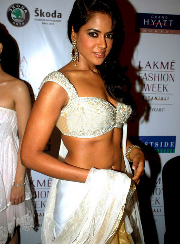 Sameera Reddy at Lakme Fashion Week stills 06 Asal   Sameera Reddy at Lakme Fashion Week