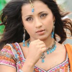 Trisha to dub in Hindi