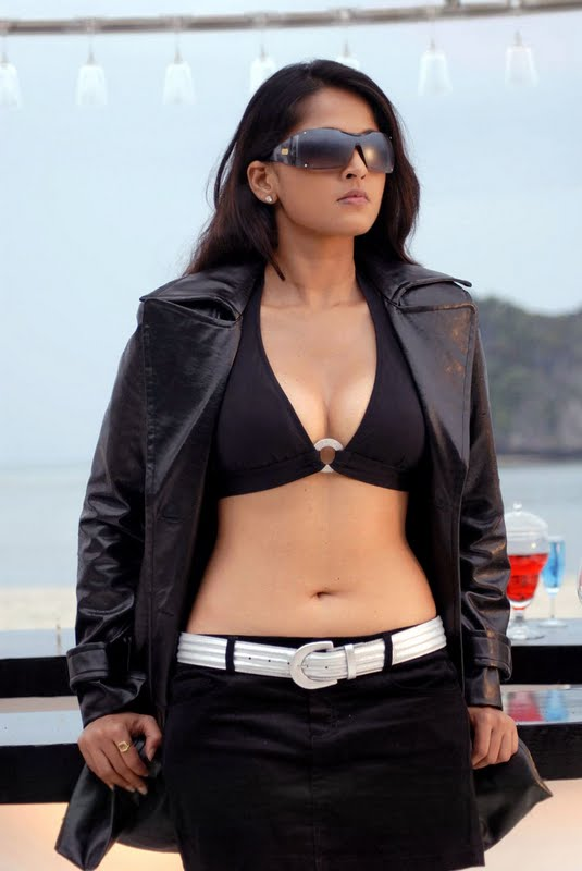 anushkahotinbilla South Indian actress Navel show
