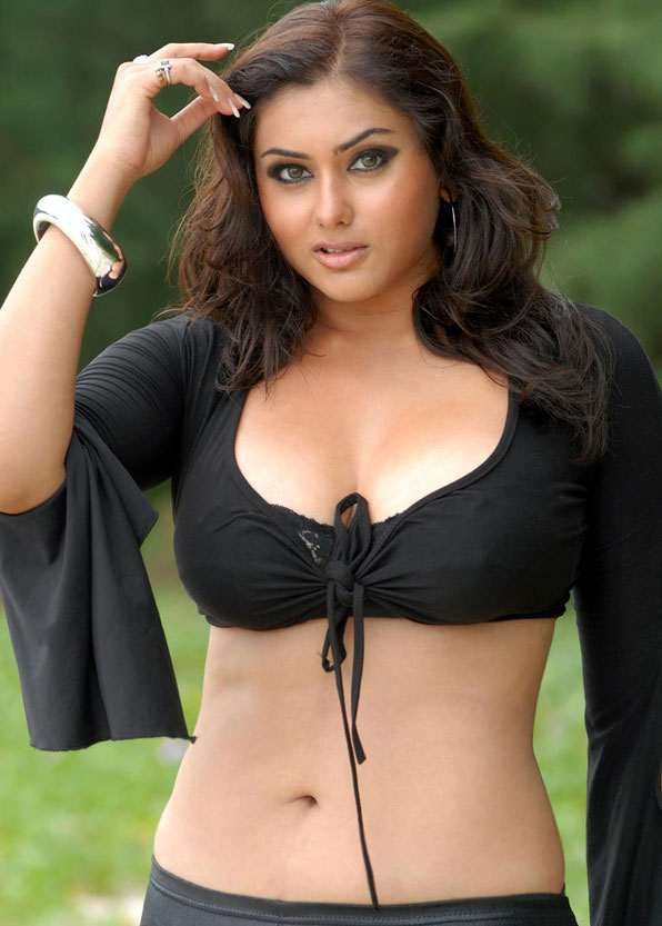 wild boobs show namitha South Indian actress Navel show