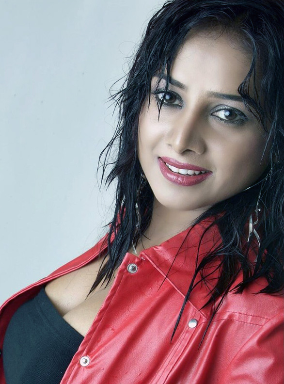 Actress Gayathri Rajagopal sexy stills images pictures photo gallery 06 Actress Gayathri Rajagopal Photo Gallery