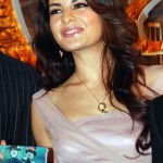 Jacqueline turns Sri Lankan guide for Karan Johar