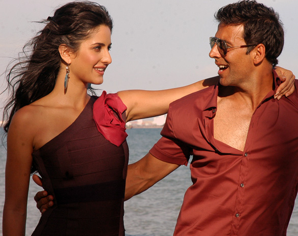 Katrina Kaif and Akshay Kumar in De Dana Dan 2 Katrina Kaif in De Dana Dan Photo Gallery