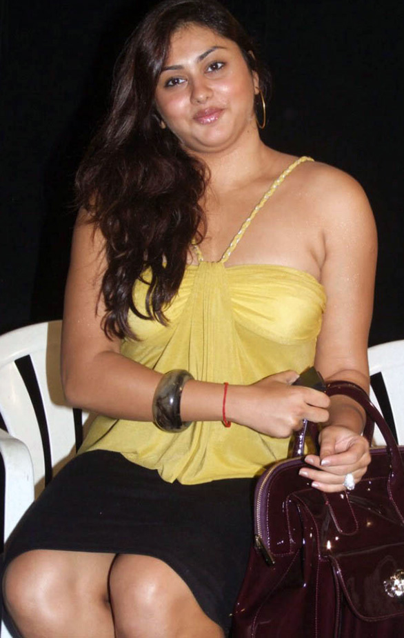 Namitha Speaks About Jagan Mohini stills 02 namitha jaganmohini Pressmeet hot sexy Photo Gallery