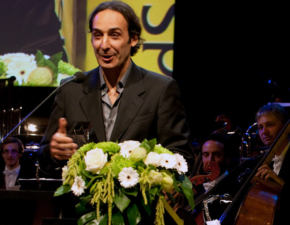 alexandre-desplat-film-composer-of-the-year-and-best-original-score-of-the-year-and-andy-garcia2