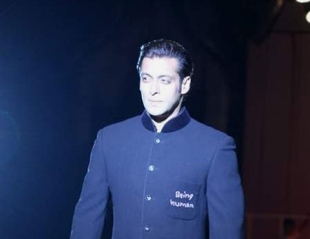human1 Bollywood Stars at HDIL Couture Week Photo Gallery
