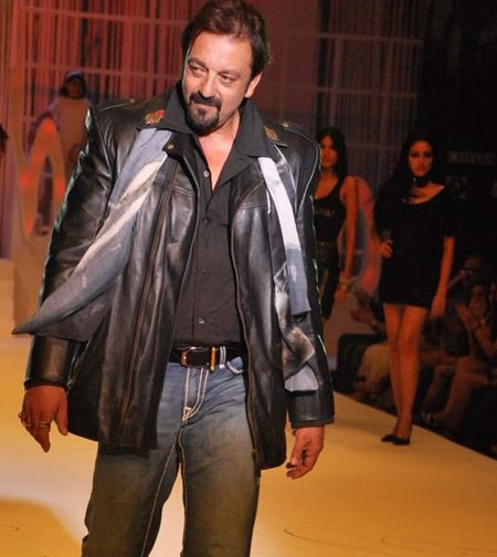 human3 Bollywood Stars at HDIL Couture Week Photo Gallery