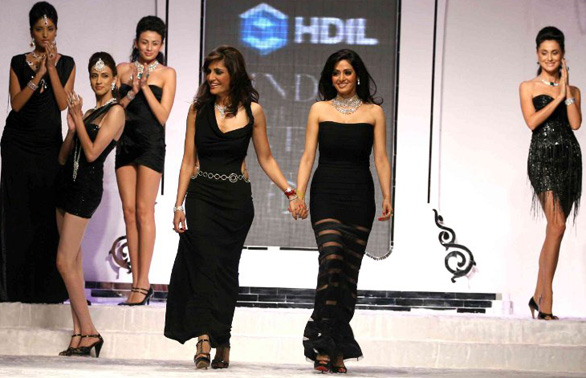 sridevi-kapoor-hdil-india-couture-week-HQ-wallpapers-stills-pics-photo-gallery-images-06
