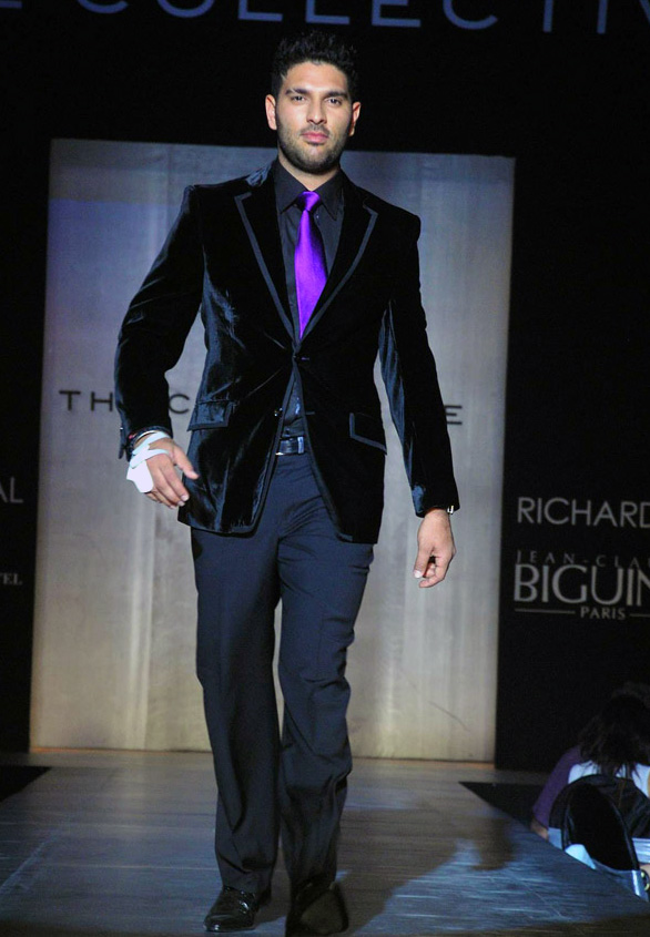 yuvraj singh walks the ramp for manish malhotra 2 Yuvraj Singh walks the ramp for Manish Malhotra in Mumbai