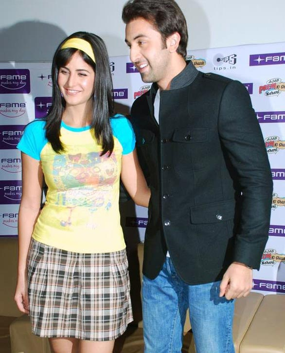 Katrina-Kaif-and-Ranbir-at-Fame-Malad-4