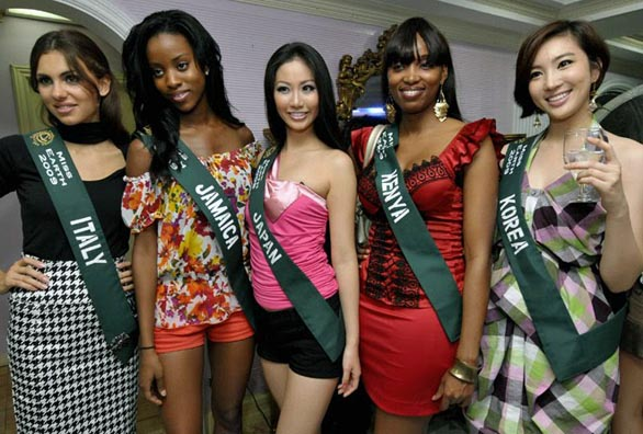 Miss-Earth-2009-models-Bikini-show-photos-10