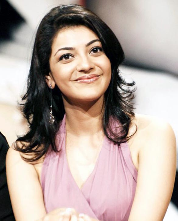 actress-kajal-agarwal-sizzles-on-ramp-stills-images-photos-gallery-1