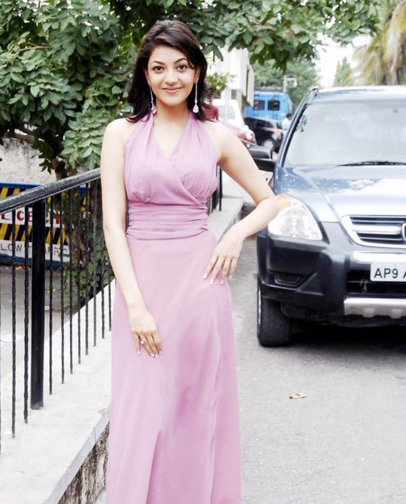 actress-kajal-agarwal-sizzles-on-ramp-stills-images-photos-gallery-20