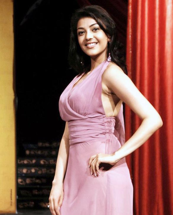actress-kajal-agarwal-sizzles-on-ramp-stills-images-photos-gallery-4