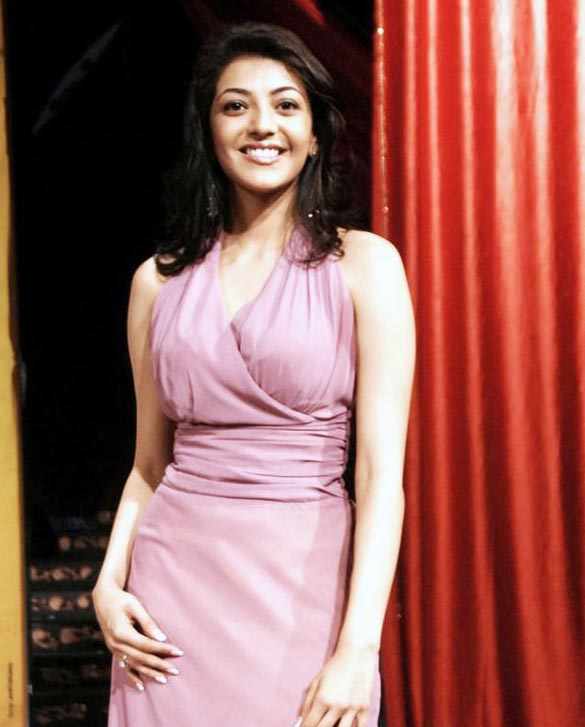 actress-kajal-agarwal-sizzles-on-ramp-stills-images-photos-gallery-42