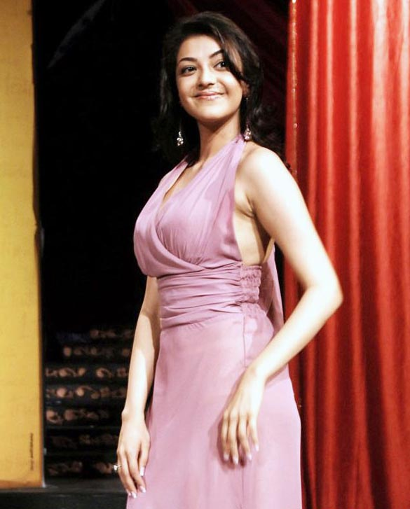 actress-kajal-agarwal-sizzles-on-ramp-stills-images-photos-gallery-44