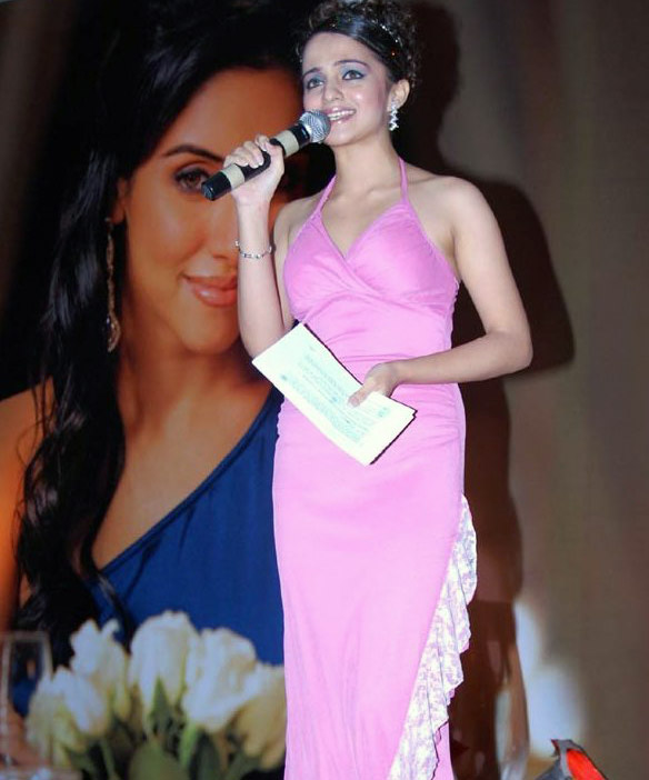asin-at-the-tata-sky-brand-ambassador-asin-met-thedinner-with-asin-contest-winners