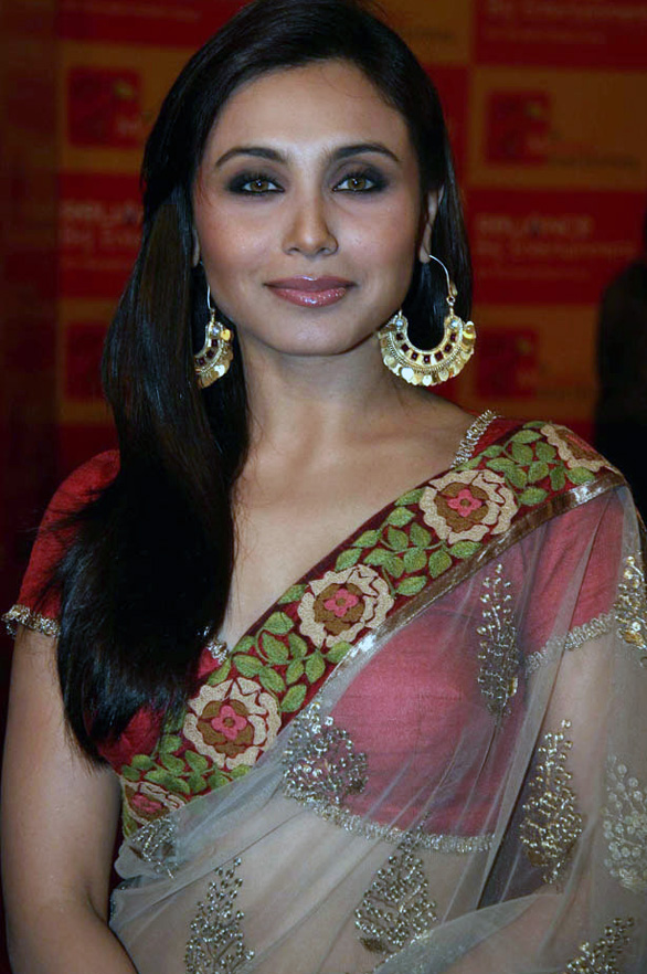Rani Mukherjee Amp Anushka Sharma At Mami Opening Night