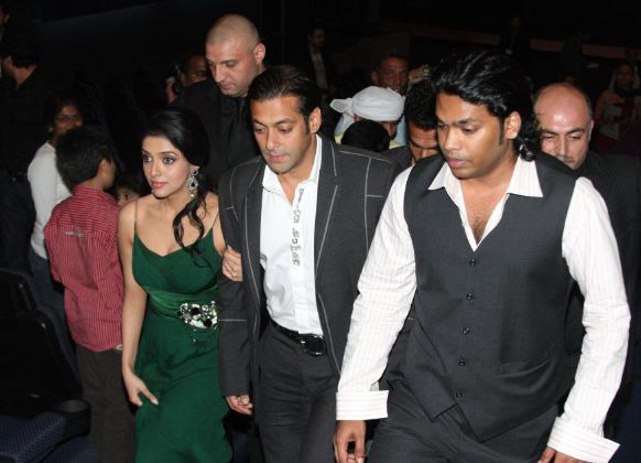 salman khan asin premiere of london dreams in dubai 14 Asin & Salman attend London Dreams Premiere