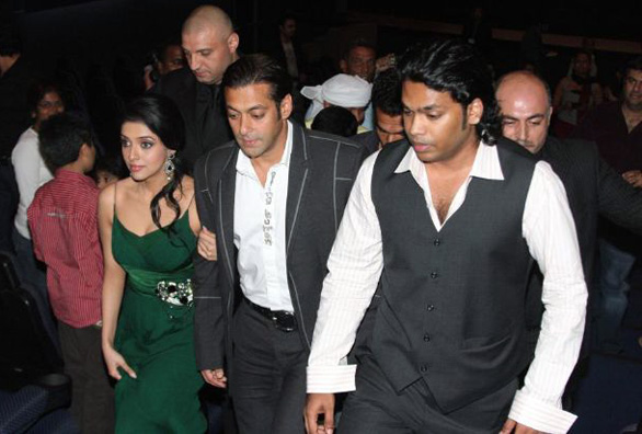 salman-khan-asin-premiere-of-london-dreams-in-dubai-16