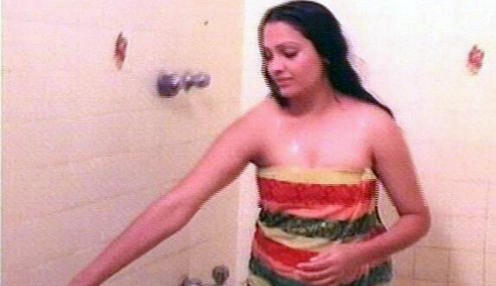 south-indian-actress-aking-bath-pictures-10