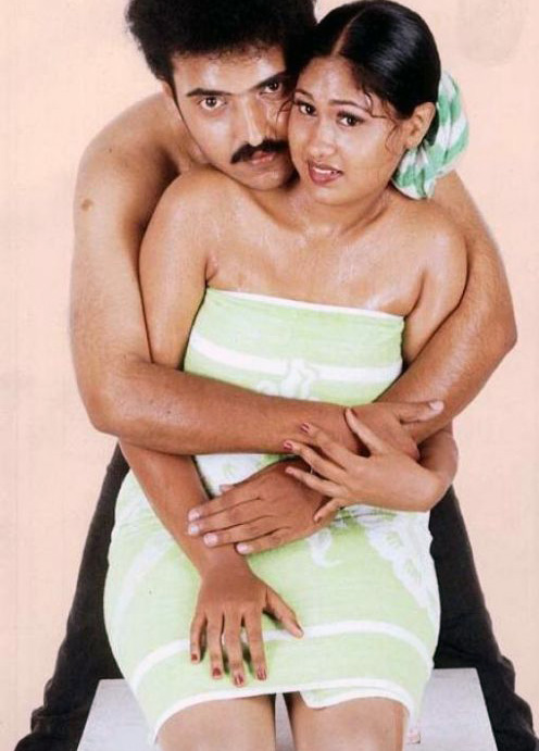 South Indian girls in towel bathing dress   Very rare pictures