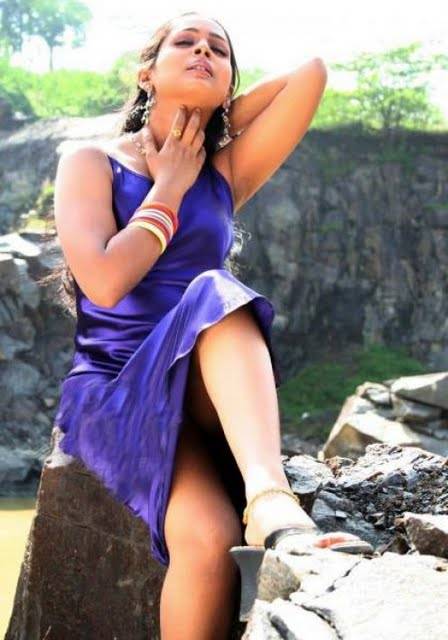 south indian sexy actress kalyani poornitha stills 11 Tamil actress Kalyani a.k.a Poornitha photo gallery