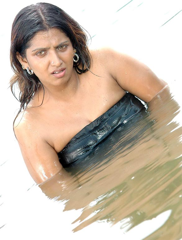 Sexy and Very HOT Bhuvaneshwari evergreen photo gallery