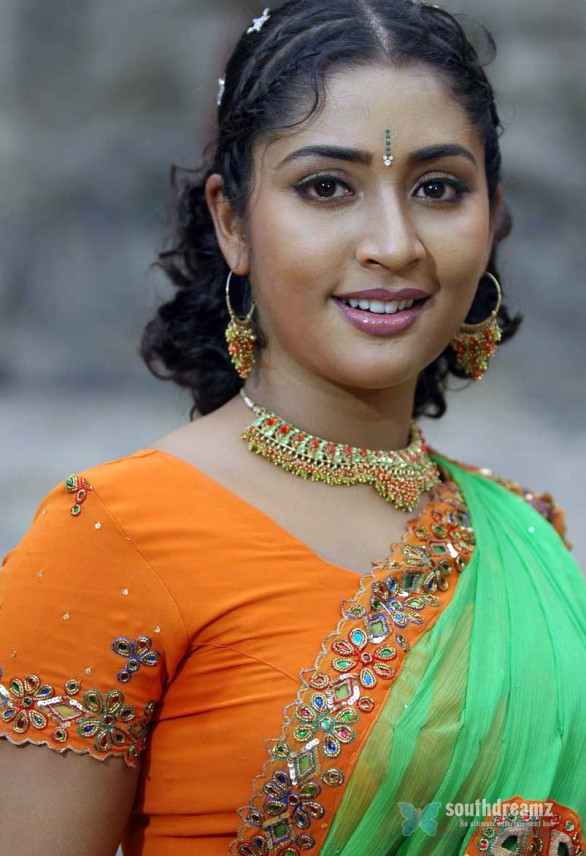 mallu masala actress navya nair hot and sexy unseen photos 10 586x856 Navya Nair hot photo gallery