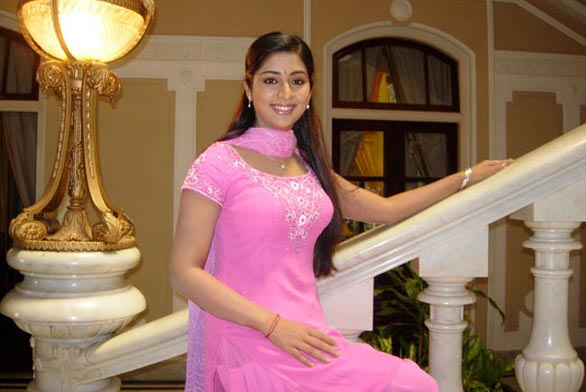mallu movie actress navya nair hot stills pictures photos 13 Navya Nair hot photo gallery