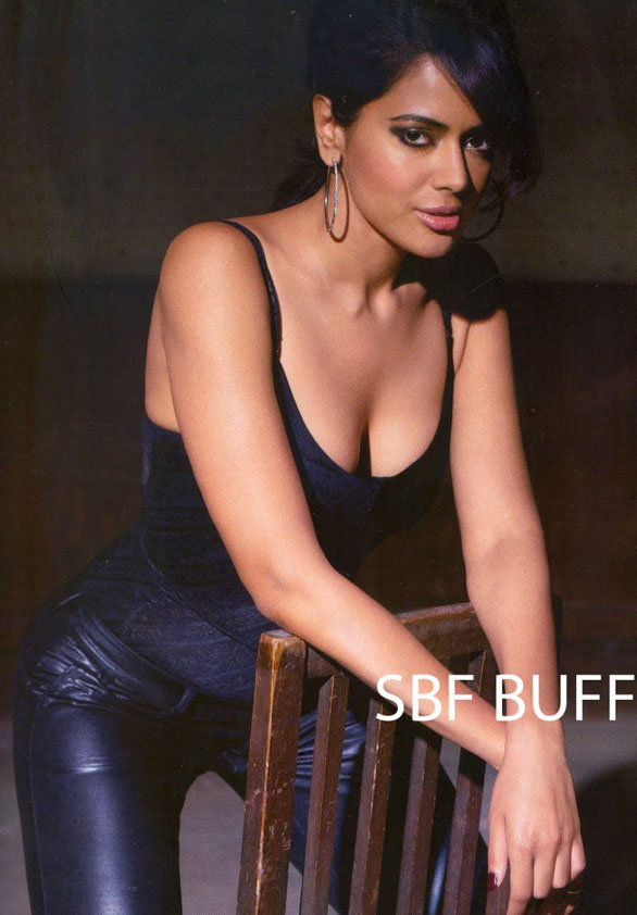 sameera-reddy-hot-in-maxim-magazine-photo-stills-1