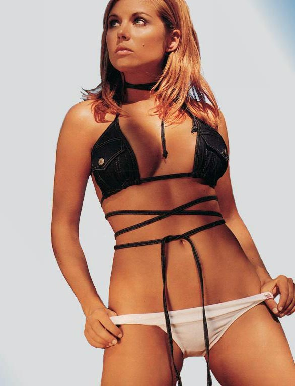 Tiffani amber Thiessen 10 Greatest Cleavage Moments In TV History
