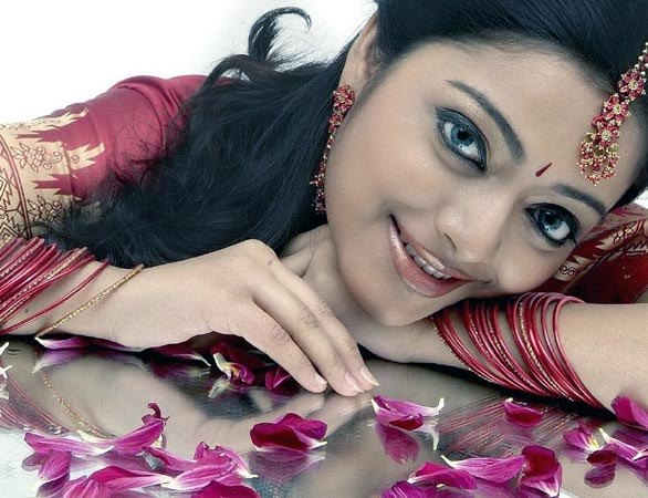 Kerala actress janani iyer