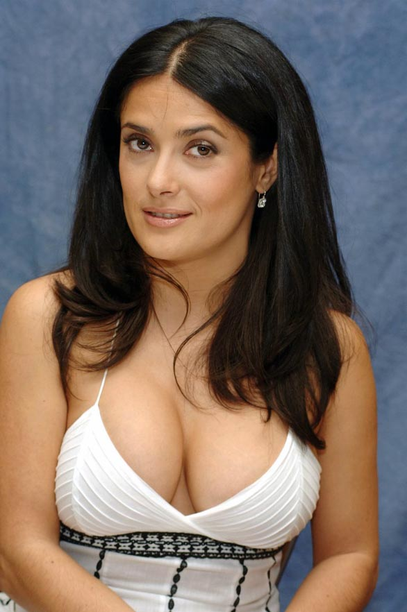 salma hayek1 Top 25 Celebrities With Big Body Assets