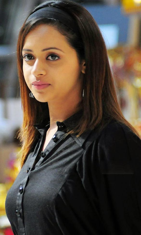 tamil telugu malayalam actress bhavana hot spicy stills 13 Actress Bhavana photo gallery
