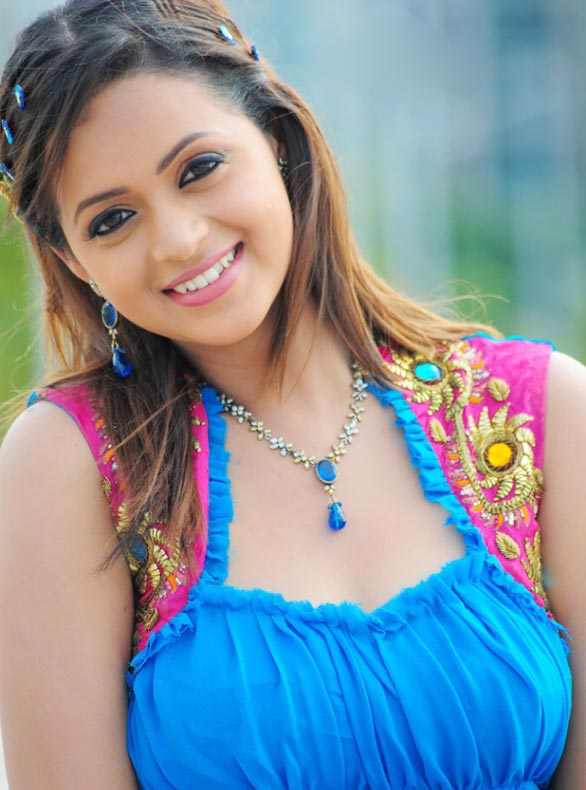 tamil telugu malayalam actress bhavana hot spicy stills 36 Actress Bhavana photo gallery