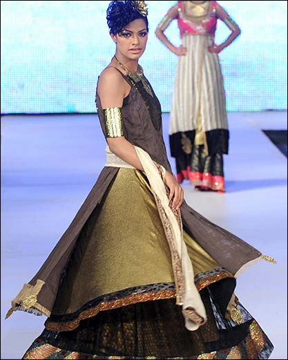 Lahore Fashion week 14 PFDC Fashion Week in Lahore   Photo Gallery
