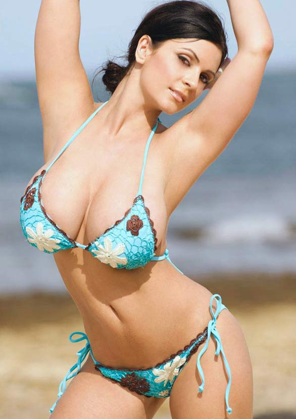 denise milani rocking in blue bikini photoshots 4 Denise Milani Rocking in Blue Flower Bikini