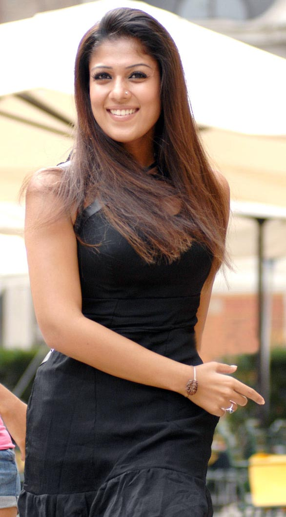 hot mallu actress nayanthara unseen hot photo album 12 Nayantara Unseen photo gallery