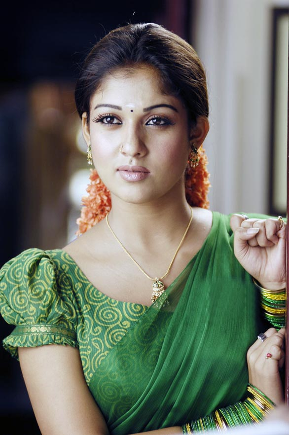 hot mallu actress nayanthara unseen hot photo album 13 Nayantara Unseen photo gallery