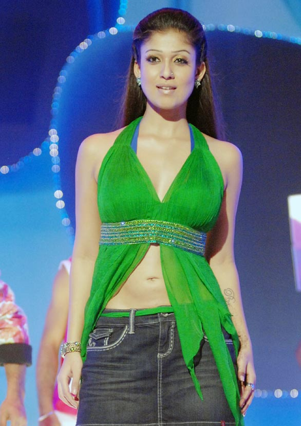 hot mallu actress nayanthara unseen hot photo album 14 Nayantara Unseen photo gallery