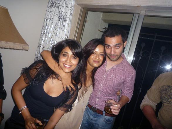 shriya and reema sen private party gallery 8 Shreya Saran, Reemma Sen in photo scandal