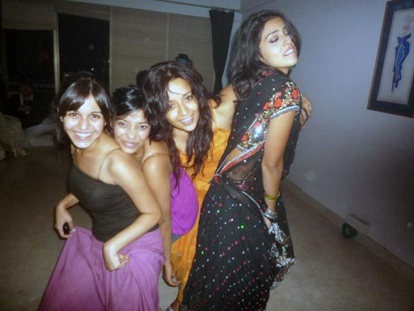 shriya and reema sen private party gallery 9 Shreya Saran, Reemma Sen in photo scandal