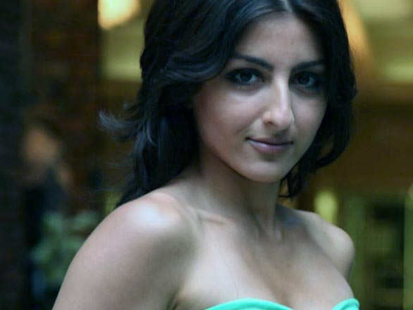 soha ali khan hot sexy and beautiful wallpapers pictures 14 Soha Ali Khan Hot Sexy and Beautiful Wallpapers